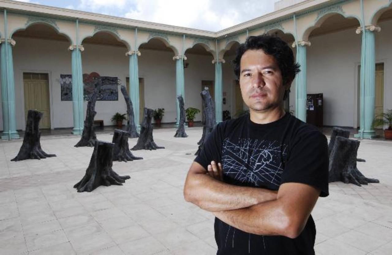 Guillermo Perdomo ha dedicado su vida a moldear conceptos.