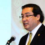 Luis Martínez, Fiscal General, le respondió al presidente Funes, a través de su cuenta de Twitter. Foto EDH