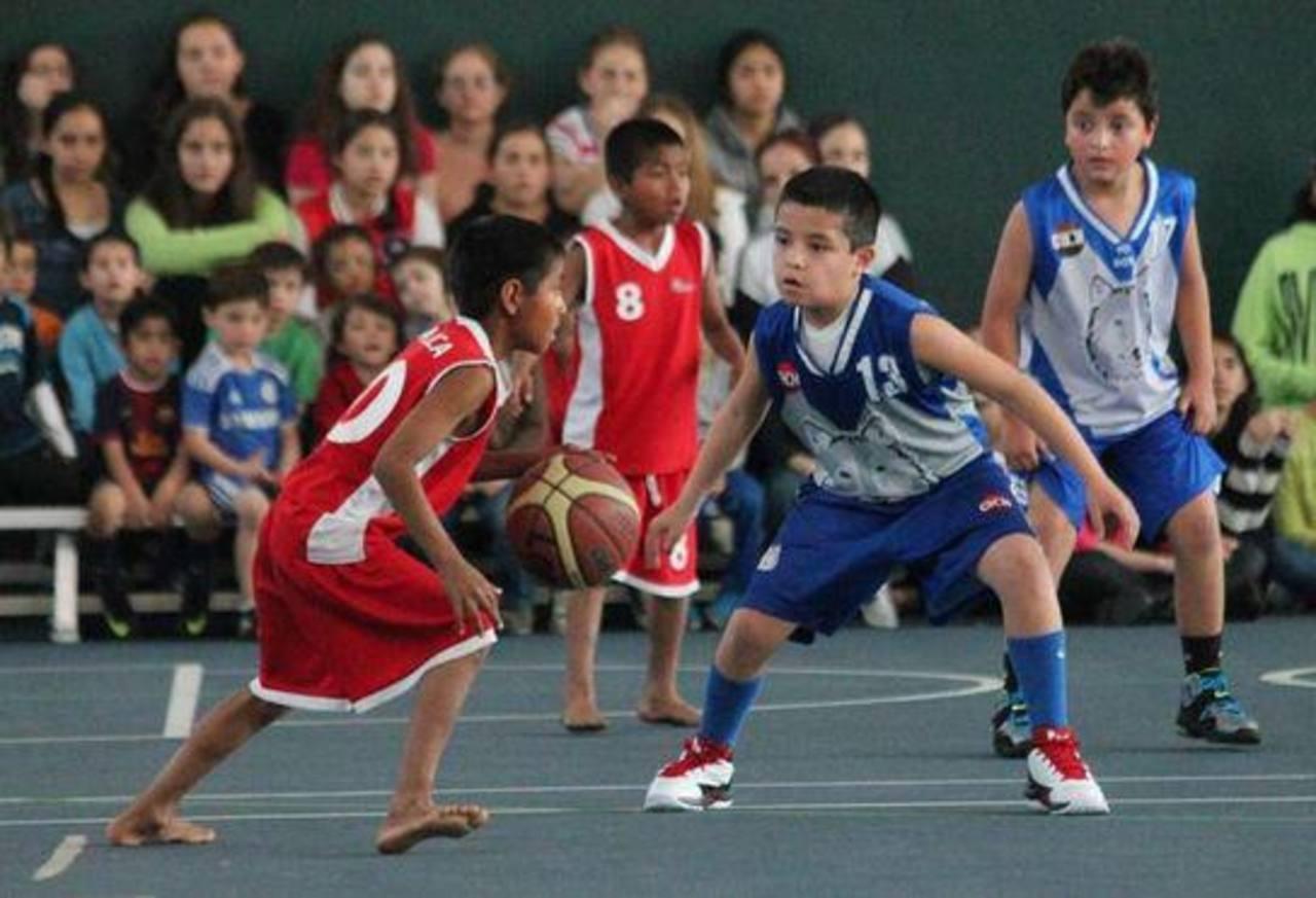Los niños triquis cautivan los corazones del publico durante sus juegos. Foto tomada de internet