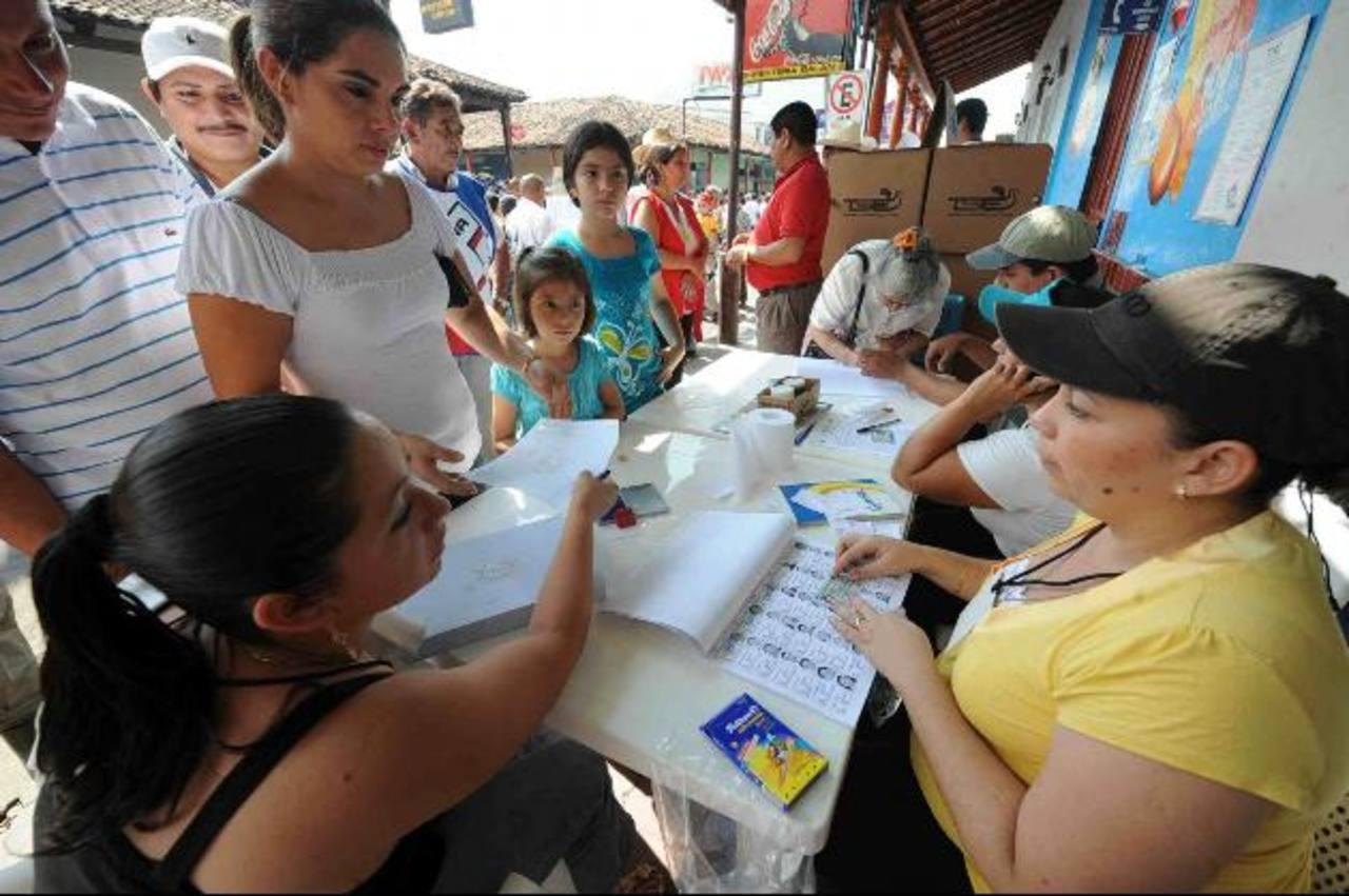 ARENA cuestionó que se otorgue la transmisión de datos a Indra o Smartmatic por dudas de su participación en elecciones de Venezuela y Argentina. Foto EDH / Foto archivo