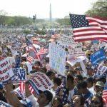 Los latinoamericanos que residen en EE. UU. han pedido a los políticos que aprueben cuanto antes la reforma migratoria, la cual les permitiría legalizar su estatus en ese país. La normativa ya fue aprobada por el Senado, pero falta la Cámara. foto ed
