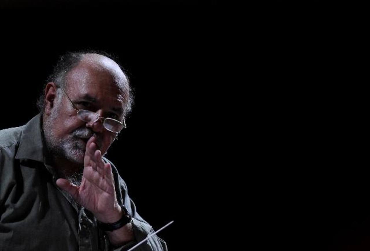 German Cáceres es el director de la Orquesta Sinfónica de El Salvador y es Premio Nacional de Cultura.
