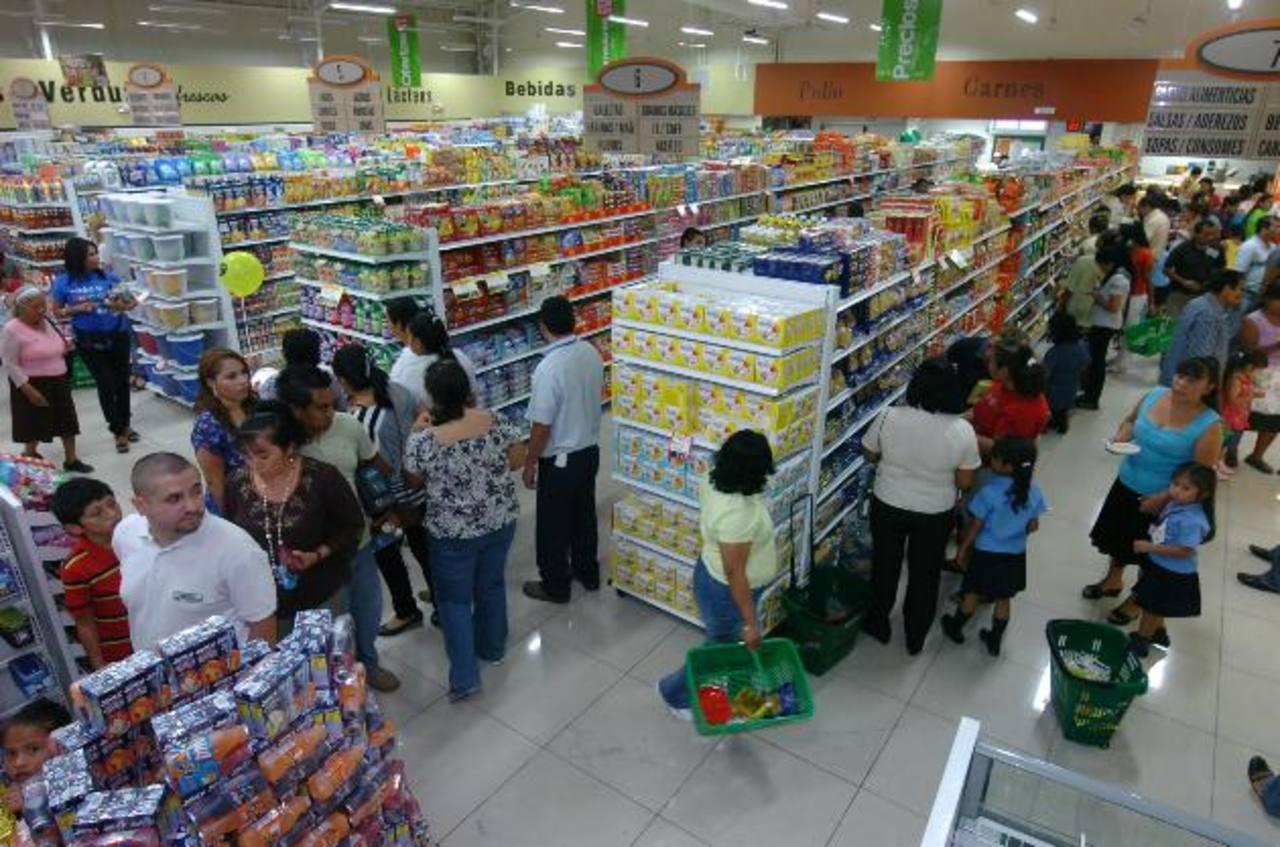 Súper Selectos cuenta con una amplia gama de productos de marca privada en cada sala de venta. Foto EDH /René estrada.