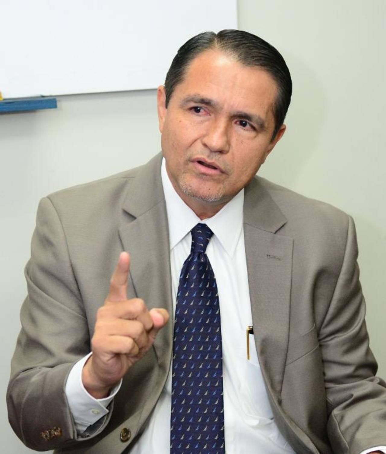 René Castellón dice jurídicamente el caso no debió llegar a los tribunales. Llegó débil. Foto EDH / René Estrada