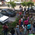 Pobladores protestaron por falta de agua. Foto EDH/ Claudia Castillo