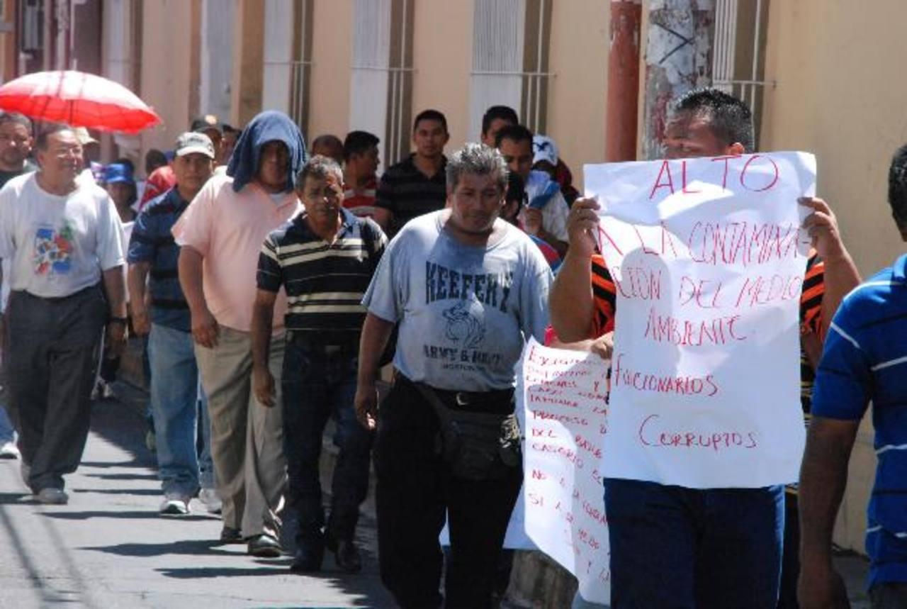 Los protestantes recorrieron varias calles de la ciudad. Foto edh / CRISTIAN DÍAZ