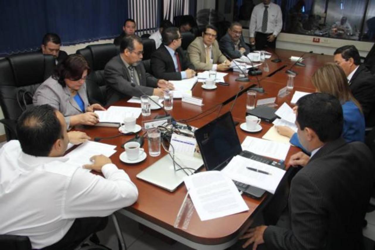 En la imagen los diputados de la Comisión de Trabajo.