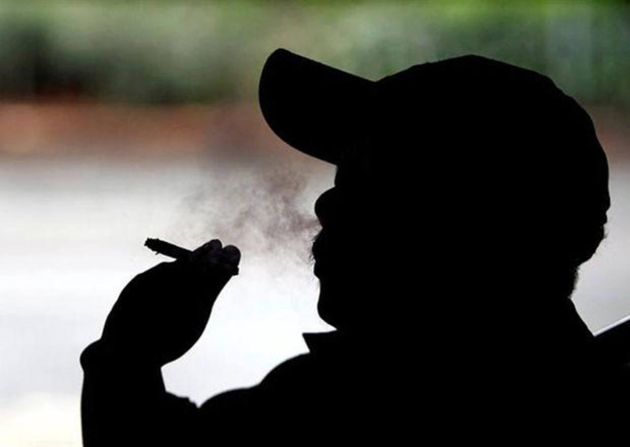Nueva York eleva a 21 años edad para comprar cigarrillos
