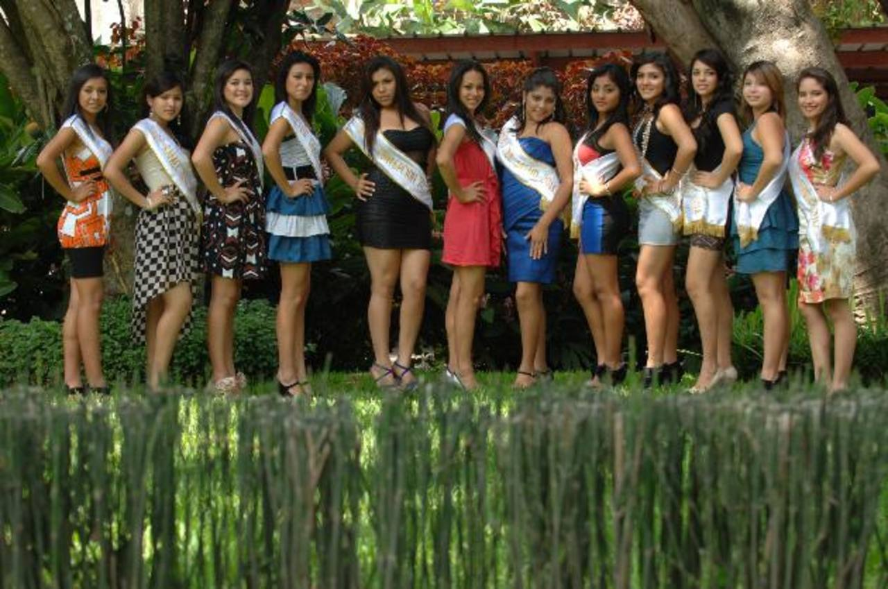 Doce señoritas competirán por el trono este 11 de octubre. Foto EDH /Leonardo González.