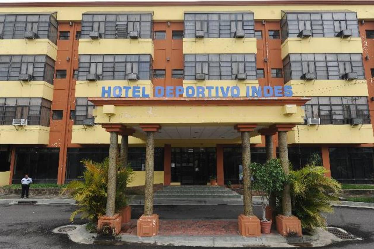 El Hotel Deportivo del Indes funciona en el polideportivo de Ciudad Merliot. Foto EDH / Marlon H.