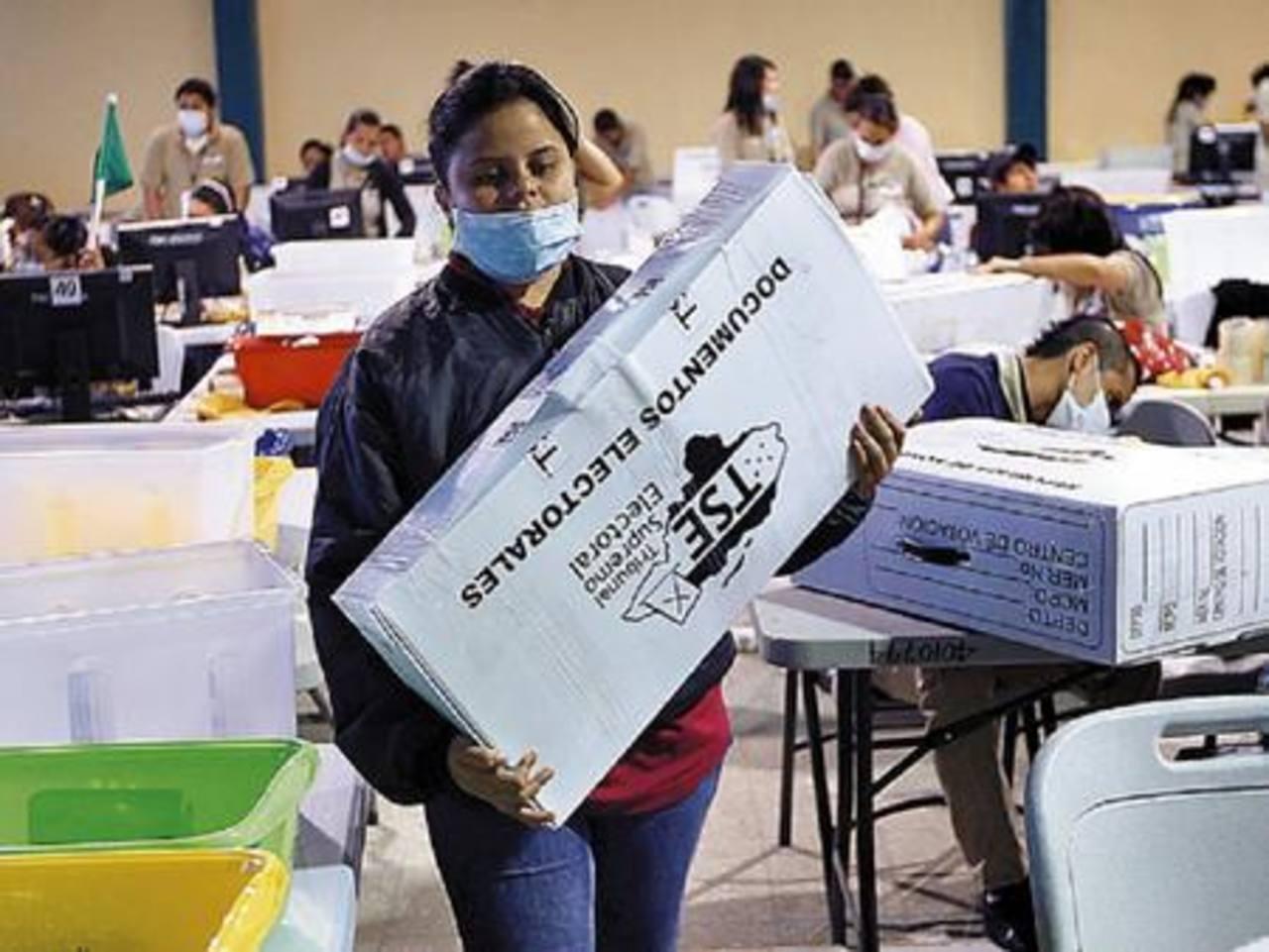 Las actas contienen la cantidad de votos que obtuvo cada partido y son parte de los documentos electorales. foto edh /