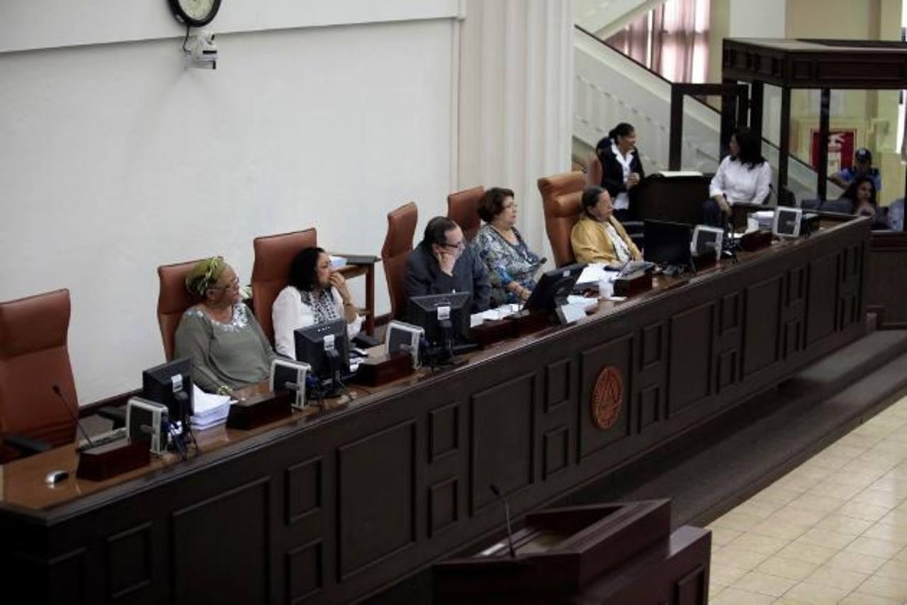 Integrantes de la junta directiva de la Asamblea Nacional de Nicaragua, que en junio avaló la ley de Escáneres. Iván Olivares
