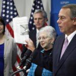 Tras la reunión con su partido en el cuarto día de paralización parcial, John Boehner, se dirigió a los medios sin anunciar acuerdos políticos. foto edh / reuters