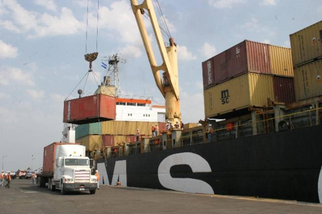 Las exportaciones totales salvadoreñas crecieron 3.9% a agosto 2013, según el Banco Central de Reserva (BCR). foto edh / archivo
