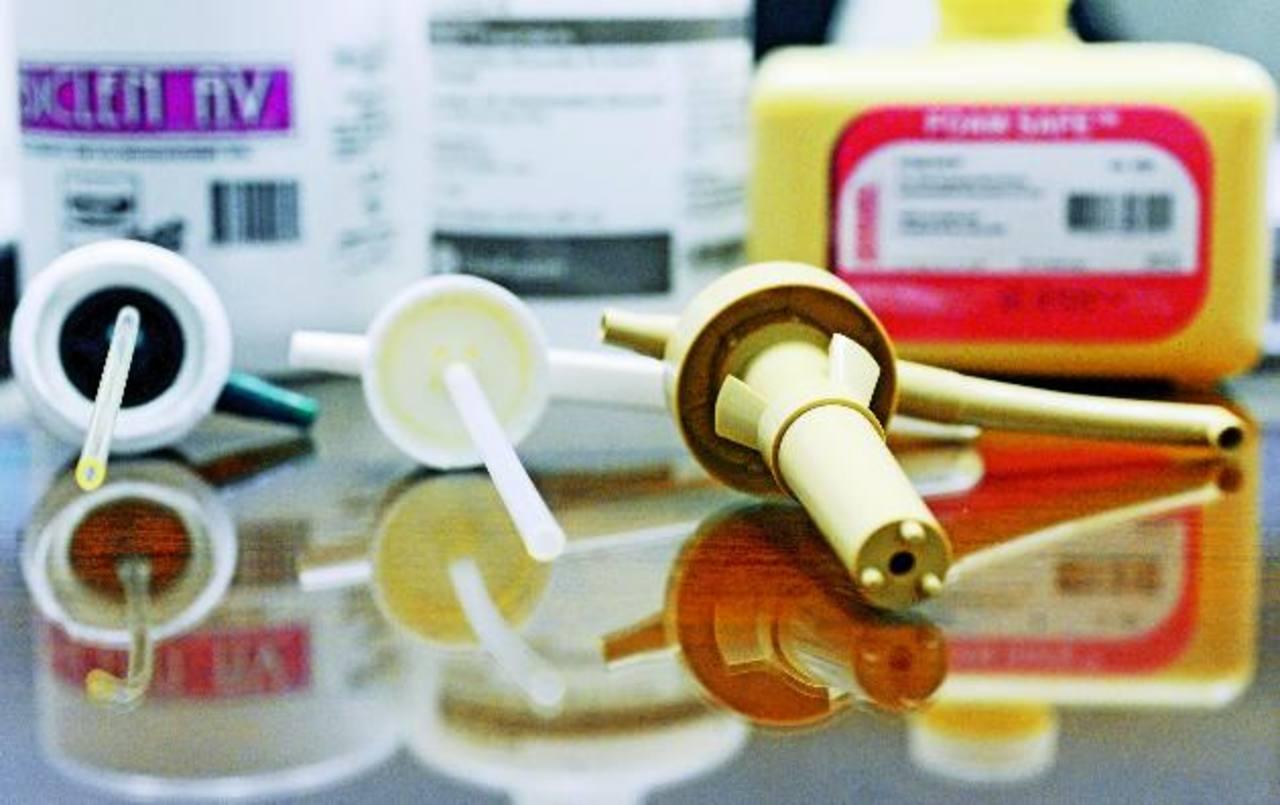 Dirección Nacional de Medicamentos: ISSS compró jabón sin registro sanitario