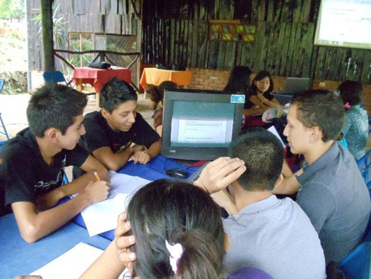 La entidad busca el desarrollo de los jóvenes y darles herramientas para trabajar. Foto EDH La entidad busca el desarrollo de los jóvenes y darles herramientas para trabajar. foto edh