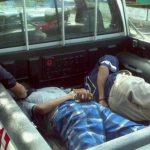 Estos son los dos sospechosos capturados en Cimas de San Bartolo, Ilopango. FOTO EDH David Marroquín, vía Twitter.