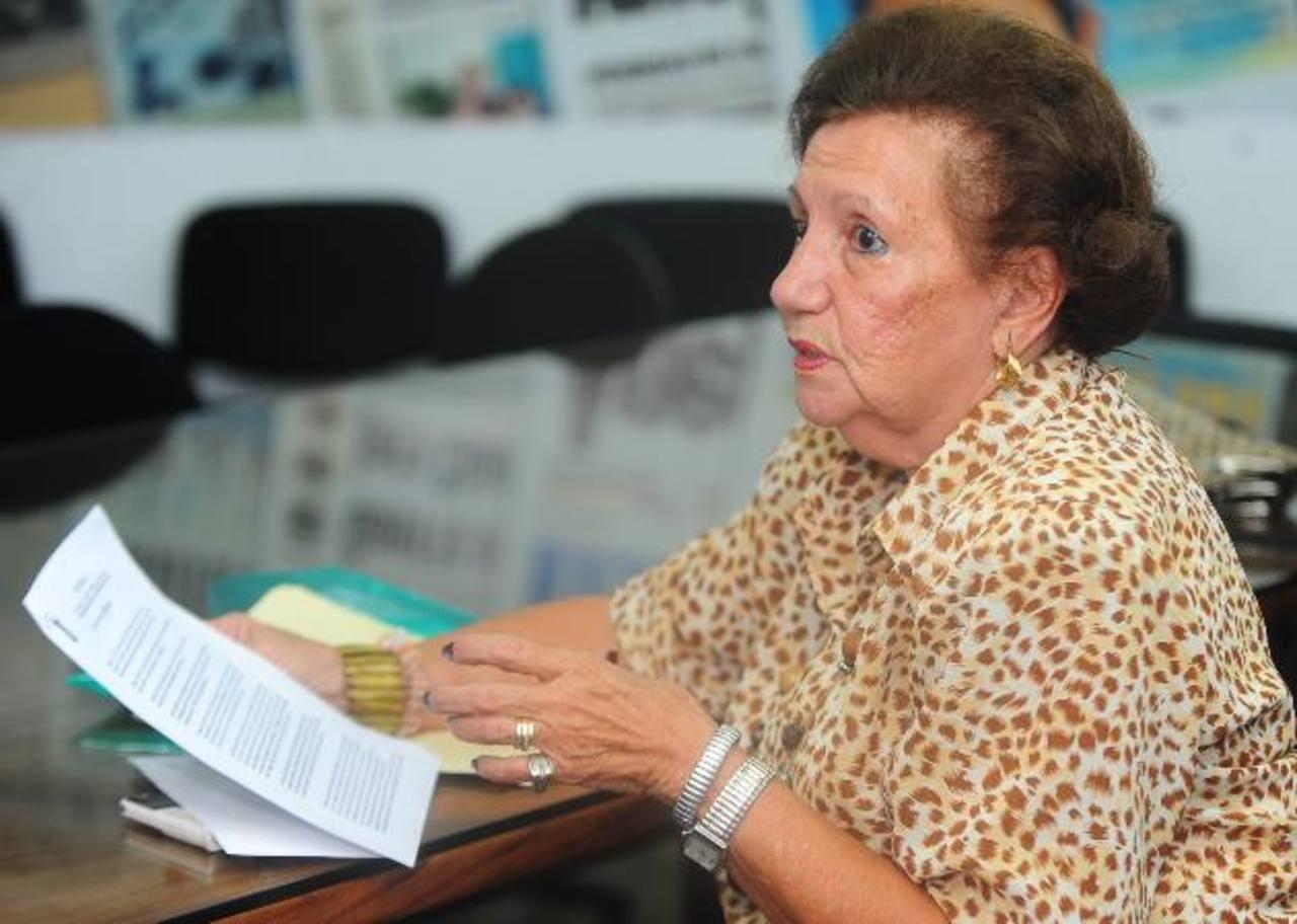 María Teresa de Punyed, presidenta de la asociación Rescatando los Valores de la Mujer Salvadoreña. Foto EDH / HUBER ROSALES