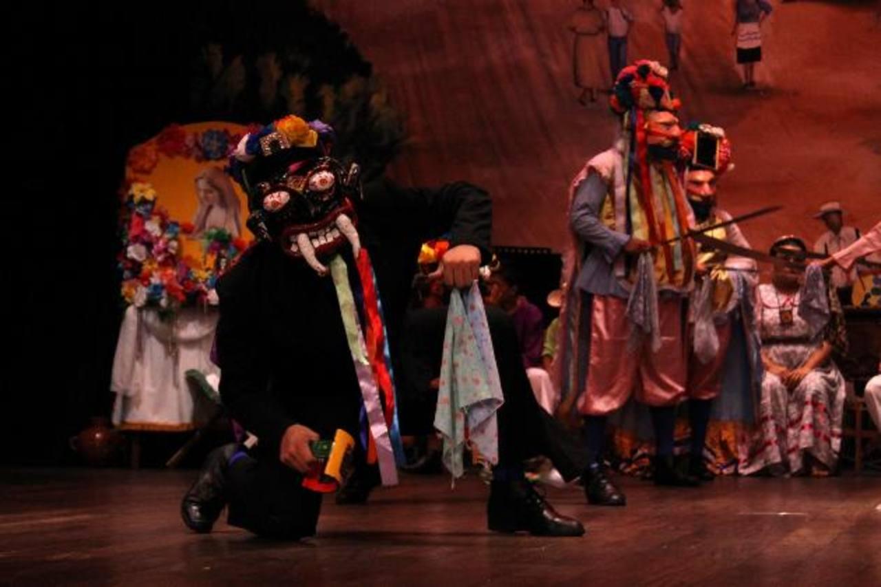 Los trajes que mostraron los participantes fueron de las principales atracciones para los espectadores. foto edh / MAURICIO GUEVARA