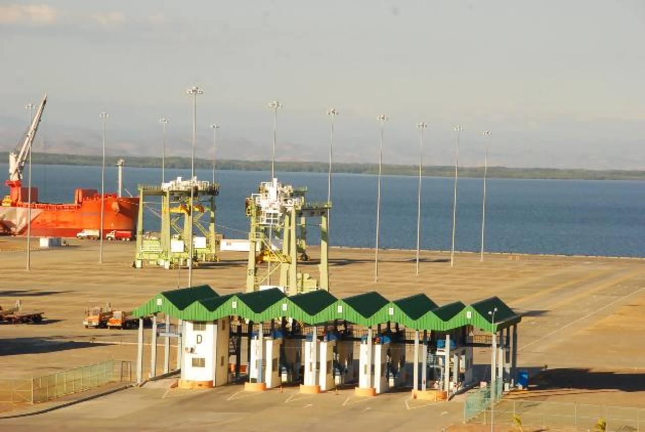 Empresarios de la región oriental no creen que el puerto inicie operaciones o sea concesionado a corto plazo. Aseguran que hace un año CEPA les dijo que para la fecha, ya estaría operando.