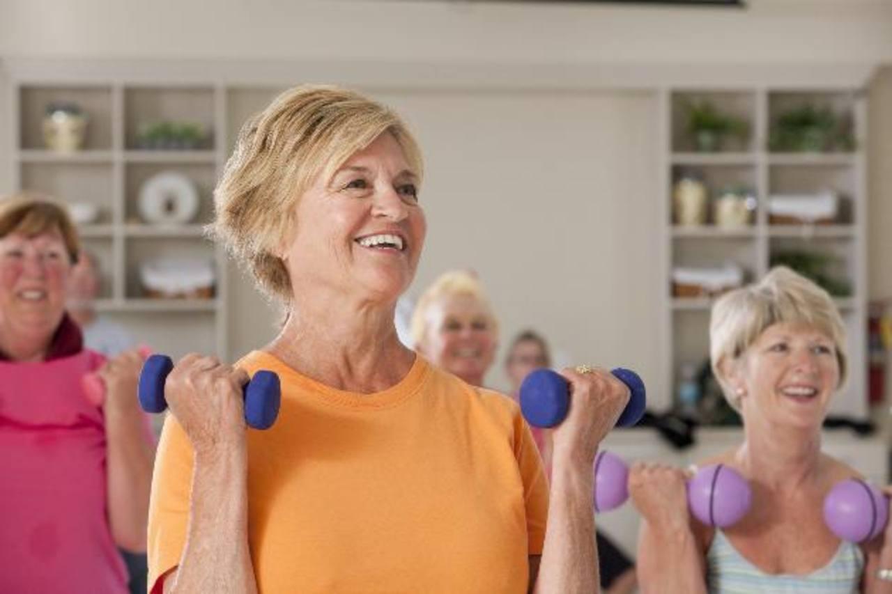 Hacer ejercicio en la tercera edad también aporta beneficios. foto edh