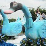 En algunas de las carrozas las reinas iban rodeadas de figuras de animales. Fotos EDH / Lissette Monterrosa