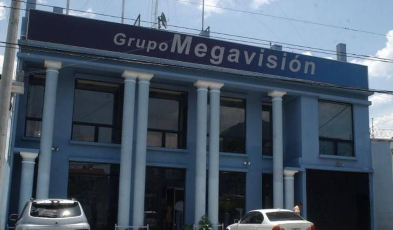 Los periodistas de grupo Megavisión comparten su vivienda con uno de sus colegas de canal 12. Foto/ Archivo