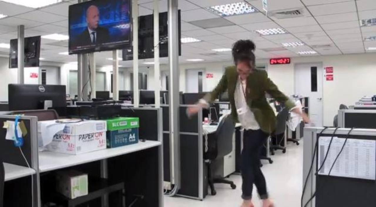 Periodista graba renuncia y video es viral