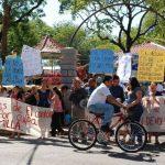 Comunidad pide que cambien la directiva y que sean ellos los administradores del proyecto de agua para que les restablezcan el servicio. Foto EDH / Insy Mendoza