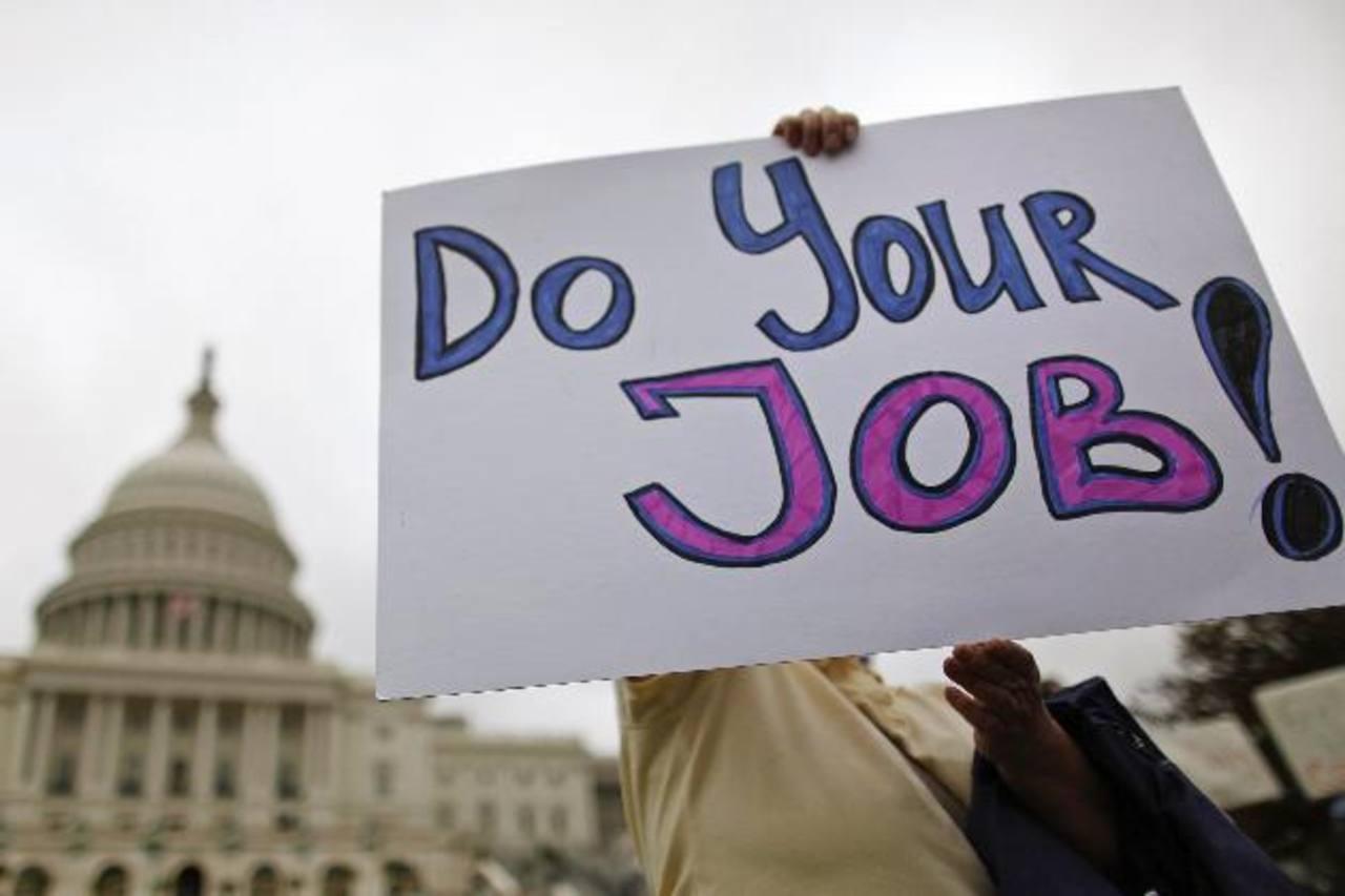 Decenas de trabajadores federales exigen que se ponga fin al cierre del gobierno EE.UU. foto edh / reuters