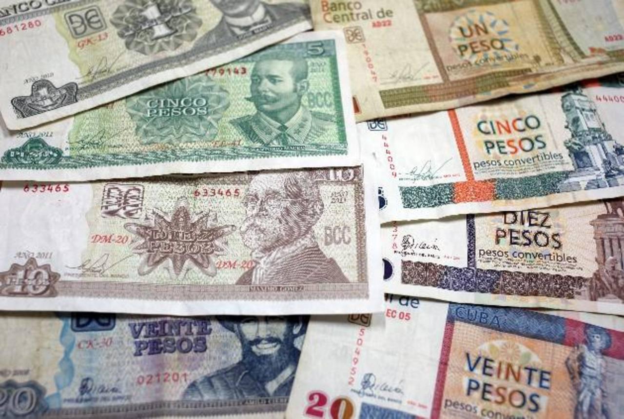 La doble moneda obstaculiza el comercio. Foto EDH / efe