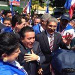 Norman Quijano y René Portillo Cuadra, candidatos a la Presidencia de la República por ARENA a su llegada al TSE. FOTO EDH