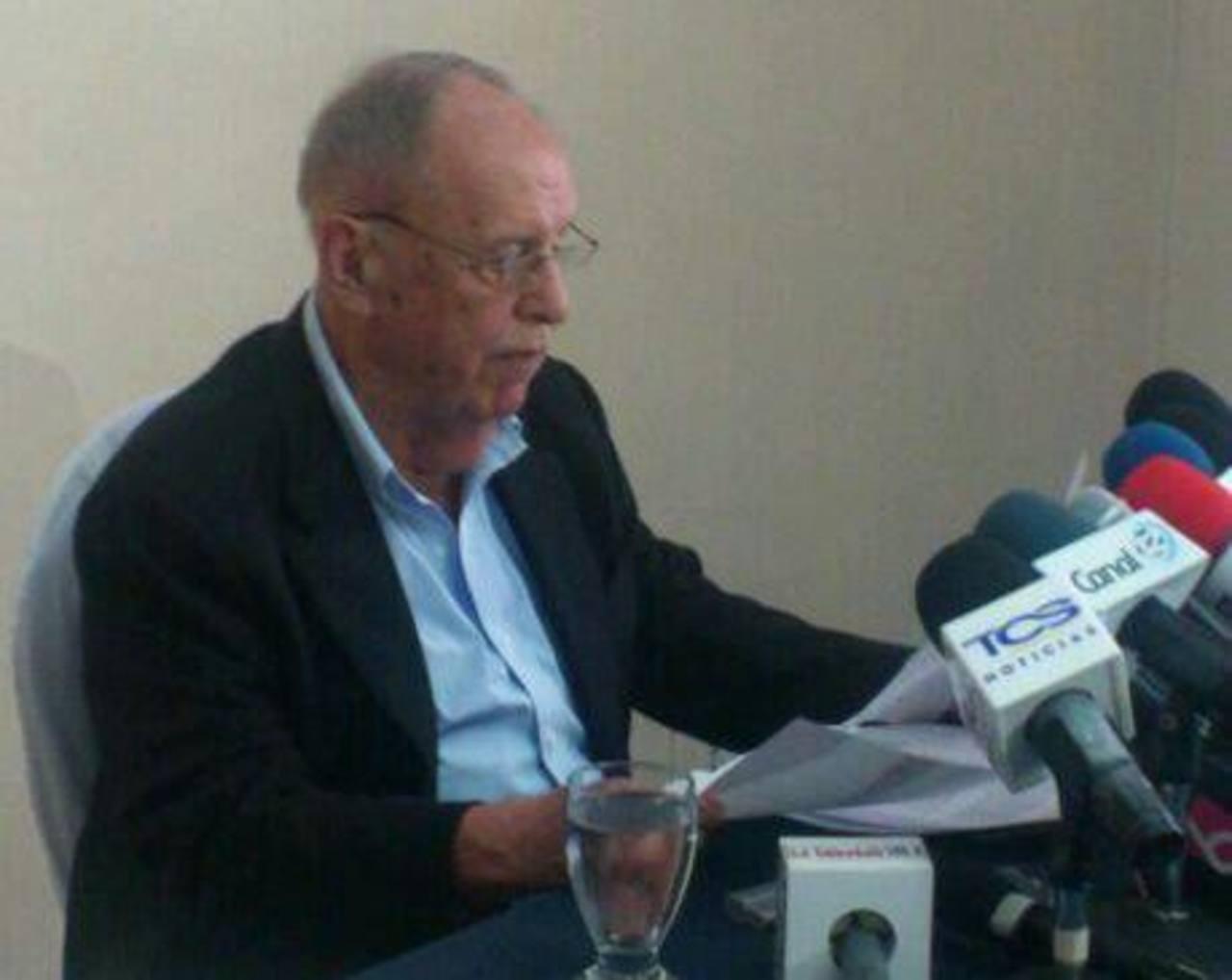Guillermo Sol Bang dio una conferencia informativa esta mañana. FOTO EDH Mauricio Castro, vía Twitter.
