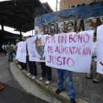 Agentes piden al Gobierno aumento salarial y otras prestaciones para los agentes de la escala básica. Foto EDH / Marvin Recinos