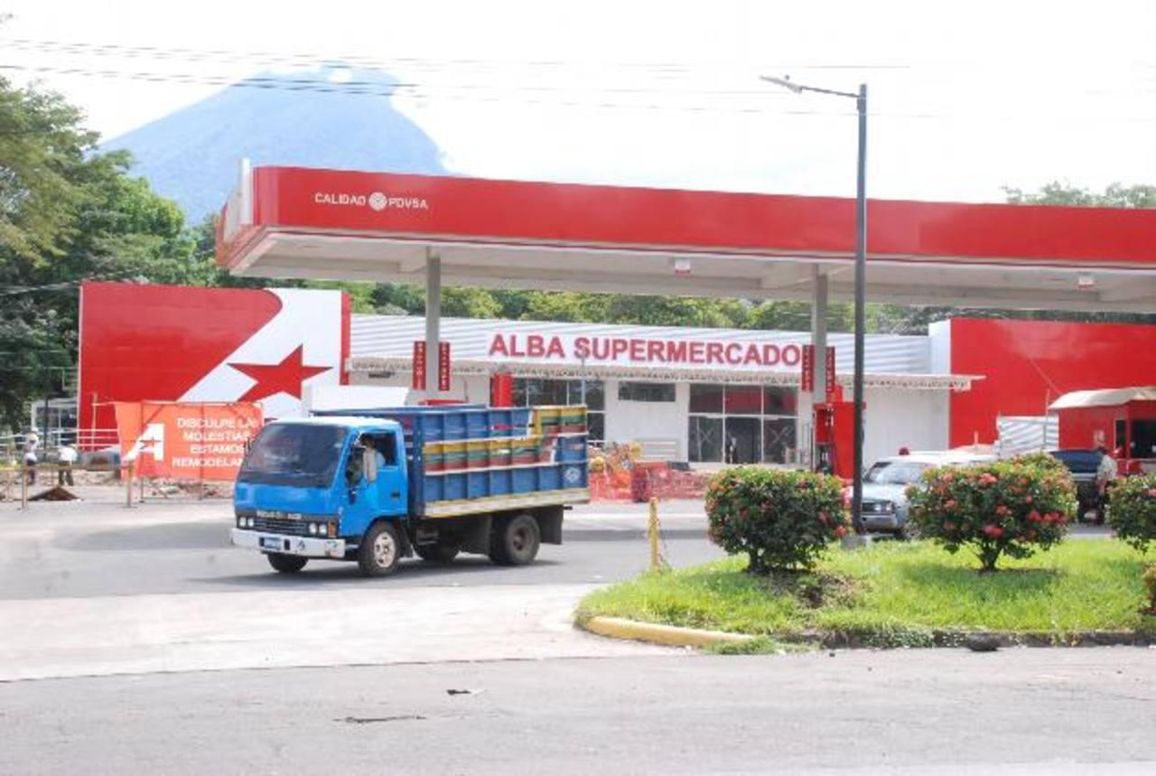 La ANEP ha cuestionado la manera en que Alba se introdujo en diversos rubros del mercado nacional. foto EDH/archivo
