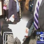Encuentran feto en bolsas de adolescentes en tienda de Nueva York