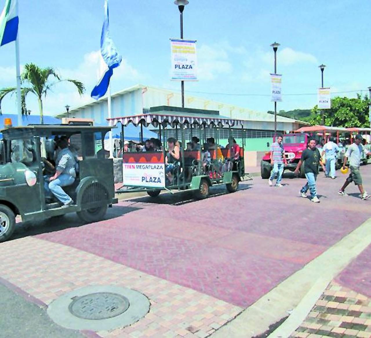"""El """"trencito"""" recorrerá las principales calles de la ciudad hasta llegar a la Mega Plaza. Foto EDH / Milton Jaco"""