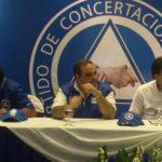El candidato a la presidencial por Unidad, Antonio Saca se inscribió hoy al PCN. Foto EDH/ Mauricio Pineda