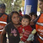 Habitantes fueron evacuados de comunidades aisladas en las montañas y de zonas costeras bajas. FOTO AP