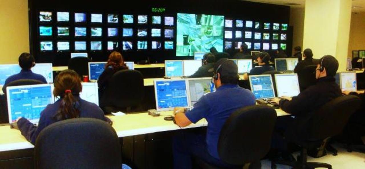 En los últimos años los centros de atención telefónica se han convertido en una opción laboral viable. FOTO EDH / ARCHIVO