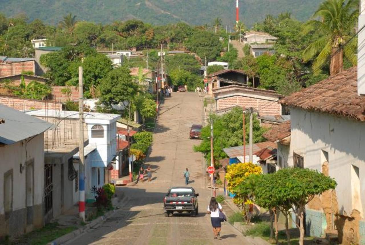 En Tacuba, en Ahuachapán, un juez de Paz dio libertad a la procesada, pero la Cámara resolvió que fuera detenida. Foto EDH