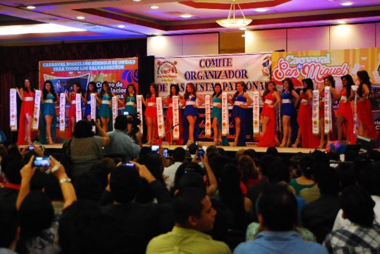 El Comité de Festejos invierte en el pago de hotel, en San Salvador, para presentar a las candidatas a reina ante los medios de comunicación. Lo mismo hace en San Miguel.