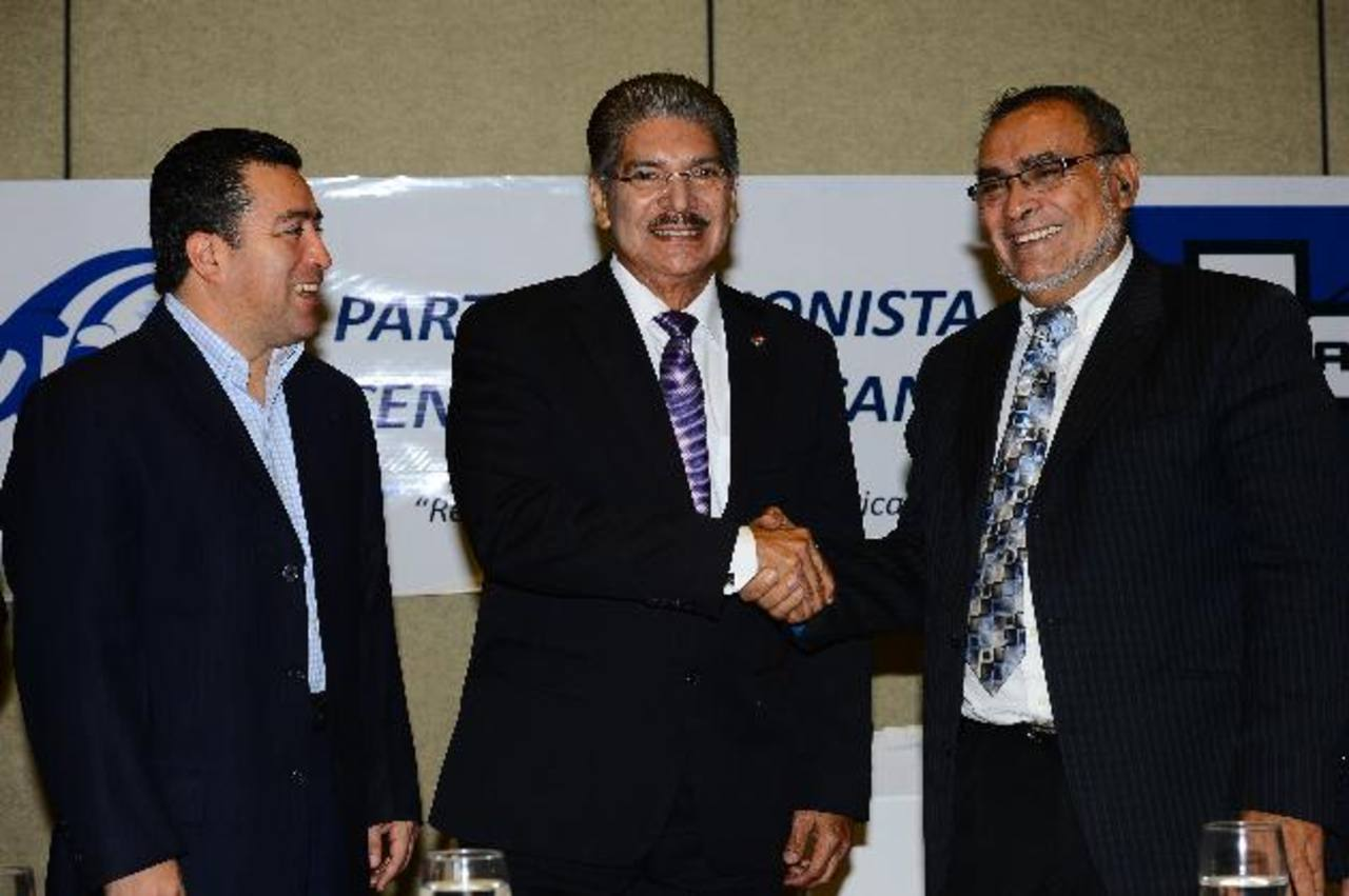 El presidente de PUCA, Óscar Jerez, oficializó el respaldo a la fórmula. foto edh / Mario Amaya