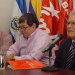 José Luis Merino (a la derecha de Sánchez Cerén) es líder del FMLN y asesor de Alba. Alba Petróleos fue creada con capital venezolano y con fondos de varias municipalidades del FMLN. Foto/ EDH Archivo
