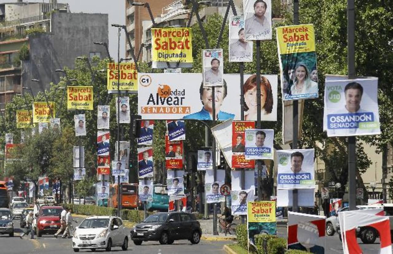 Más de 13 millones y medio de chilenos están llamados a votar en las urnas mañana. foto edh / efe