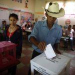 Unos 5.3 millones de personas están habilitados para elegir el destino de Honduras. Foto/ Reuters