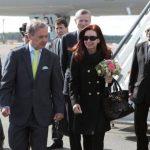 La presidenta argentina, Cristina Fernández, fue dada de alta tras ser intervenida por un hematoma del cráneo. FOTO Reuters