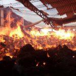 Incendio consume bodega de textiles en Soyapango.