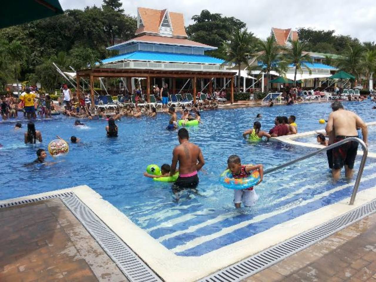 Royal Decameron Panamá, entre otros atractivos, tiene ocho piscinas .