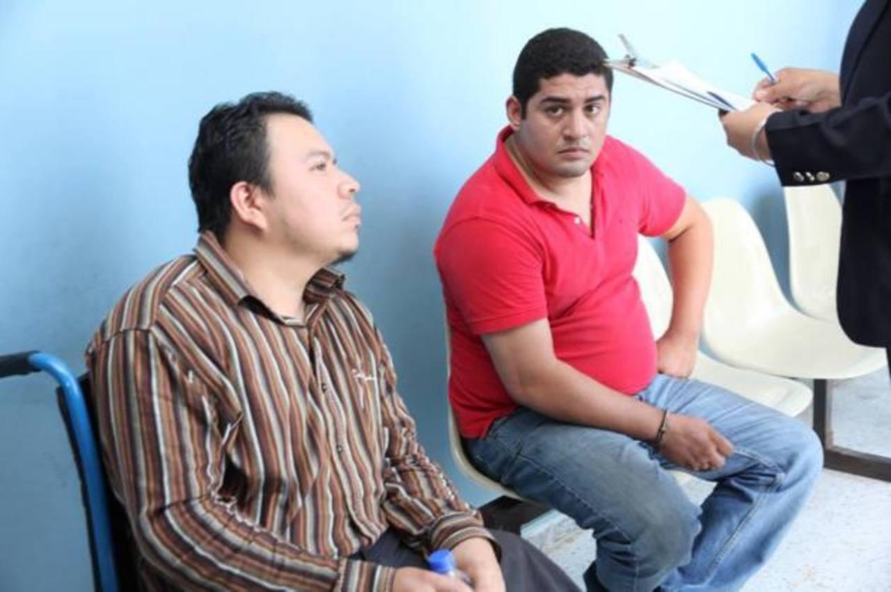 William Alexander Ortega y Mauricio Salvador Rivas Reyes, serán acusados de robo agravado. Foto EDH / juzgados.